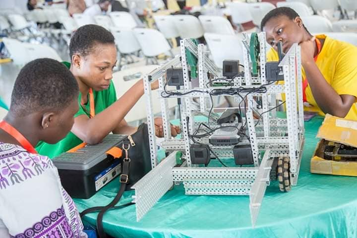 FEMCODERS ROBOTICS : WHEN CHALLENGES RELEASE CREATIVITY